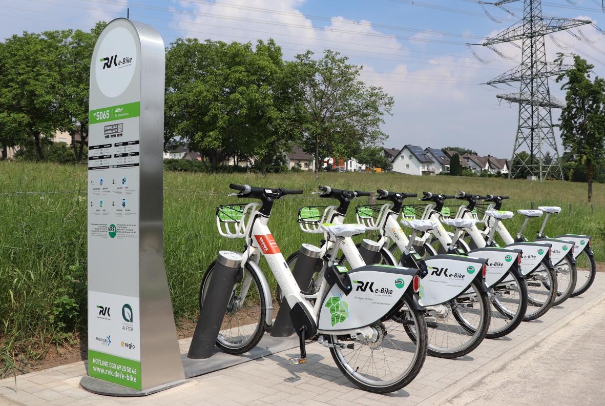 Das Foto zeigt die RVK e-Bike-Verleihstation.