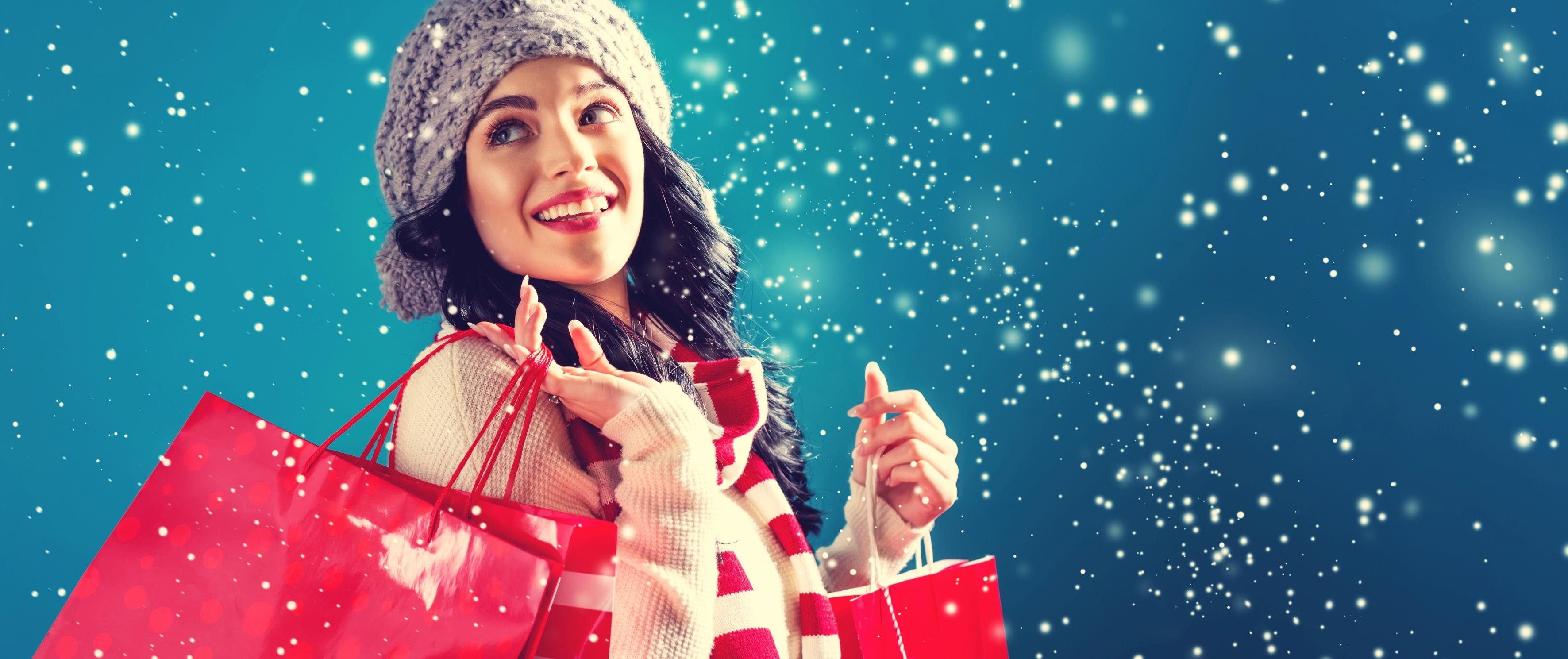 Mädchen mit Einkaufstüte